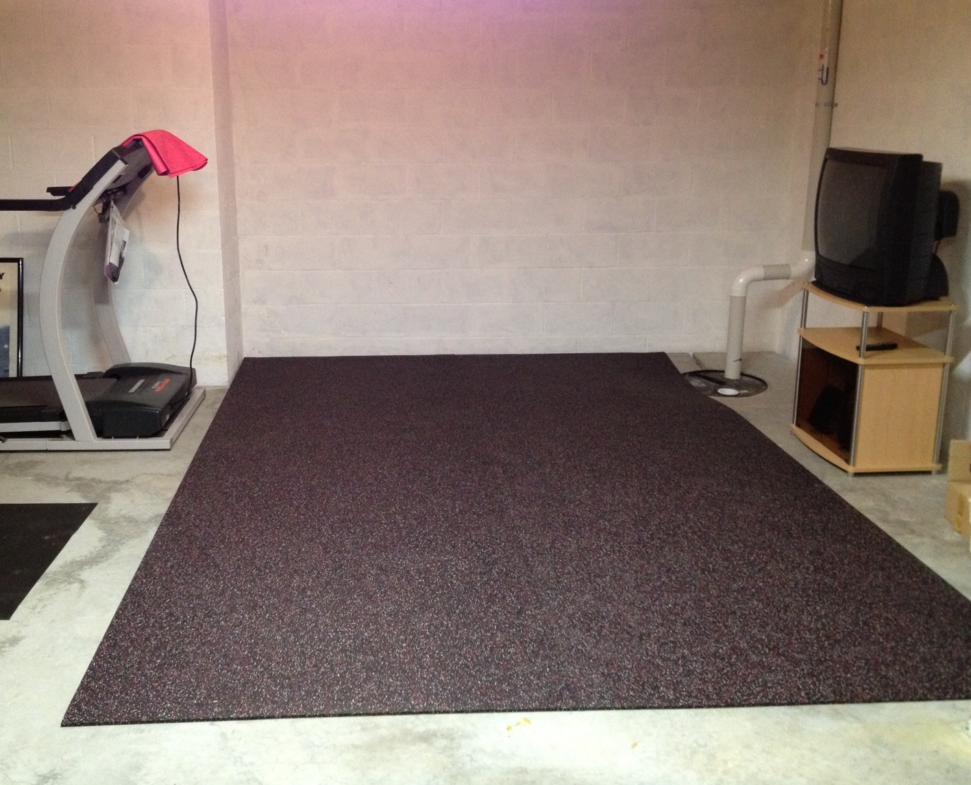 Floor mats gym - We Moved My Treadmill And Colby S Bike Trainer And Put Down The Floor It Came On A Roll That Was 4 Ft Wide So There Are Two Pieces The Floor Mat Is